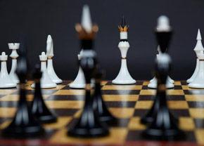 Поиграть в шахматы