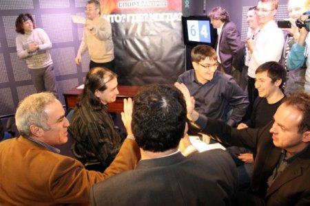 Шахматисты против знатаков 2011
