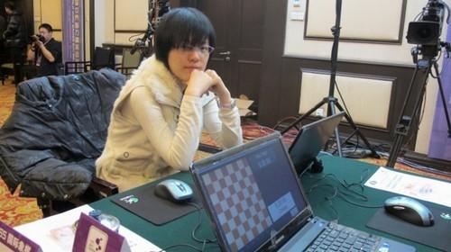 Победительница игр вслепую - Хоу Ифань