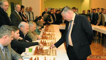 Анатолий Карпов дал сеанс в Госдуме