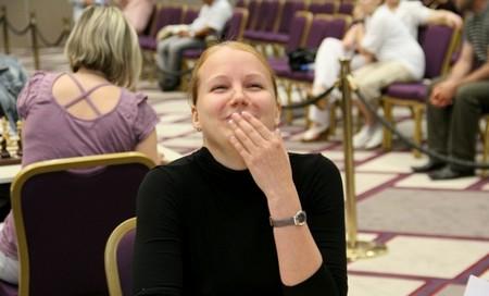 Валентина Гунина смеется над своими соперницами
