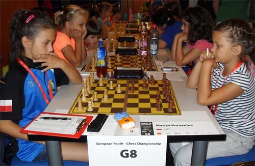 Мария Кутянина (справа) - самая маленькая чемпионка