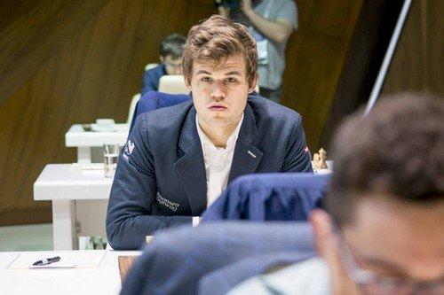 Магнус Карлсен - победитель турнира в Шамкире 2015