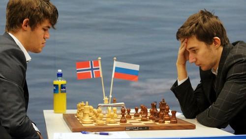 В какую игру играют Карякин и Карлсен ?