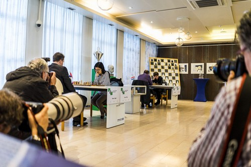 Найджел Шорт и Хоу Ифань сыграют матч в Хогевене, 2016 онлайн